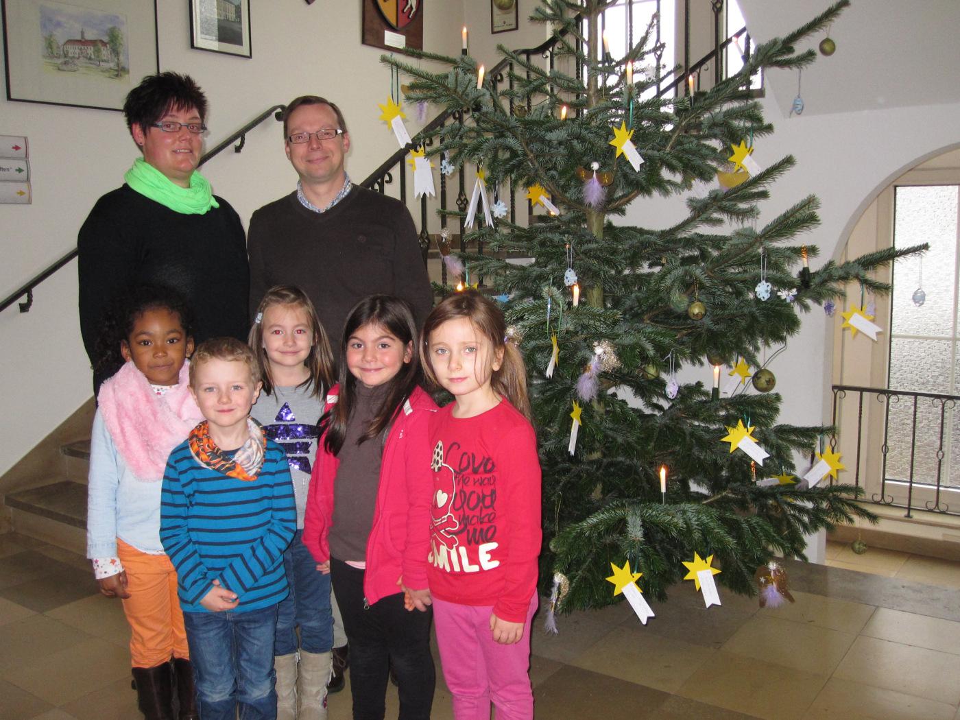 Geschenke für bedürftige Kinder - Stadt Bad Lippspringe